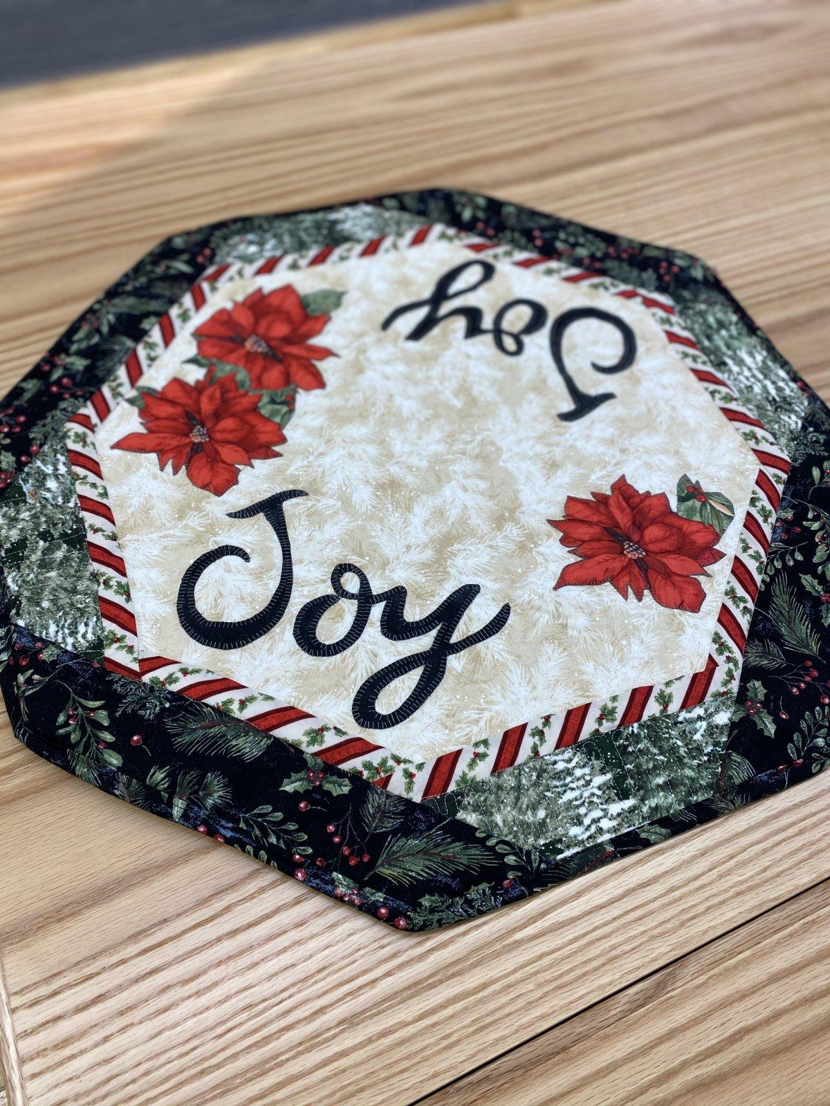 Joy & Poinsettia 22 Table Mat Pattern