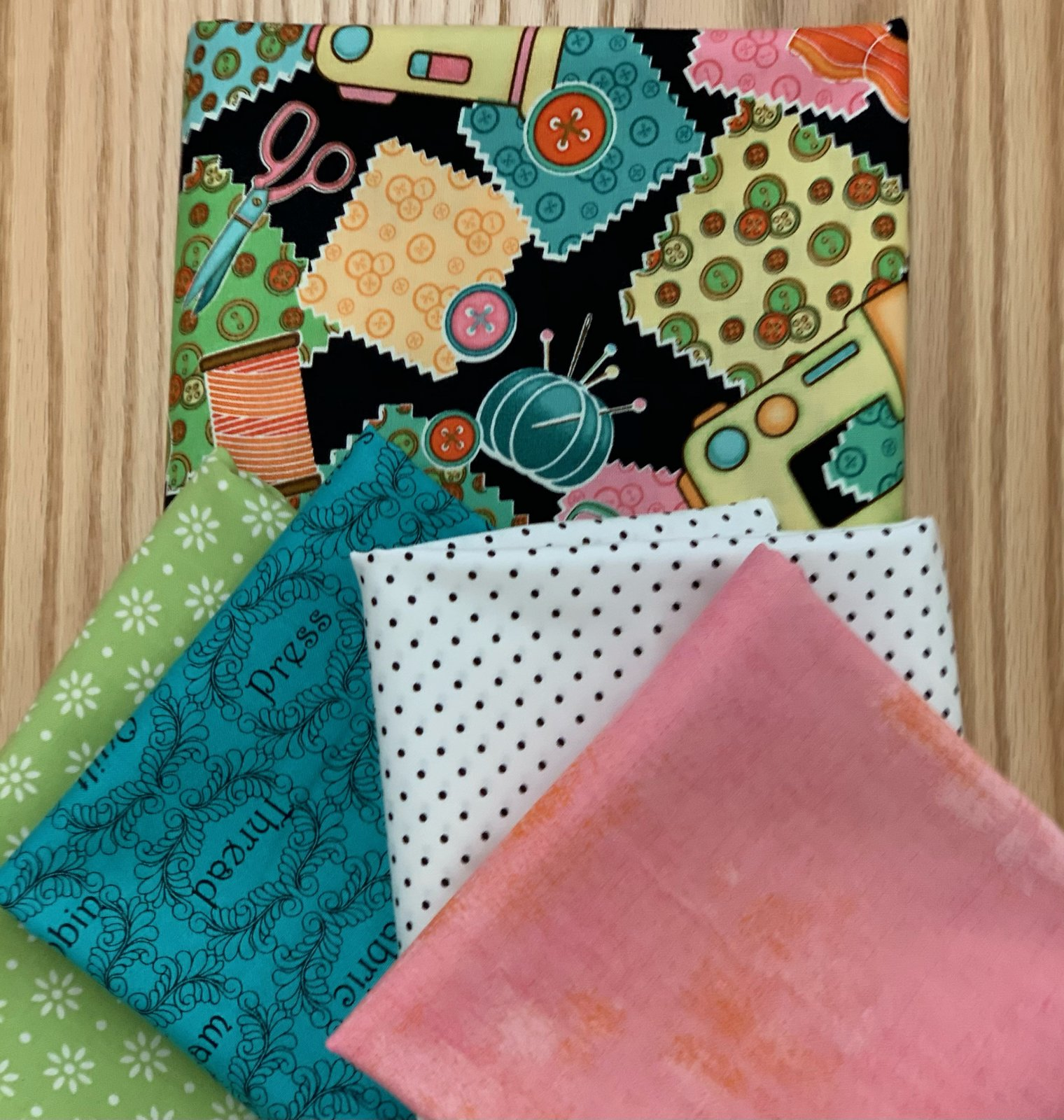 Virtual Mystery Quilt kit sewing