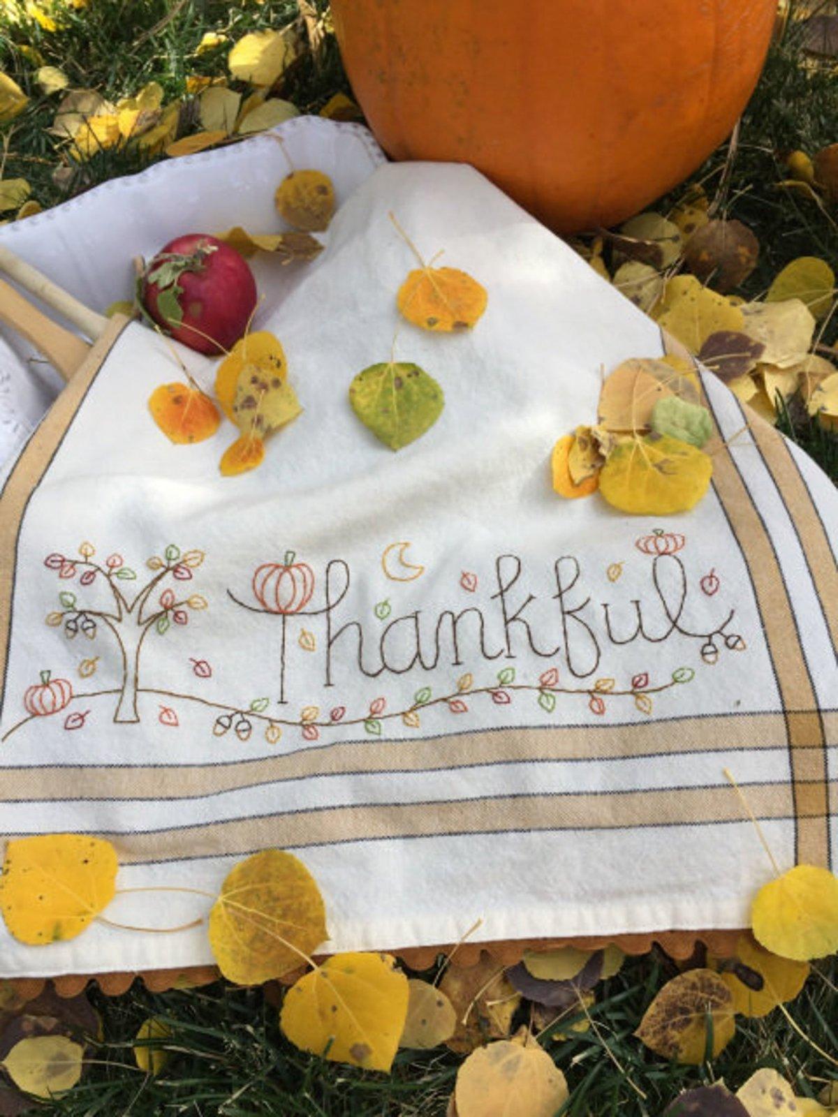October: Thankful Dishtowel Kit - RESERVATION ONLY