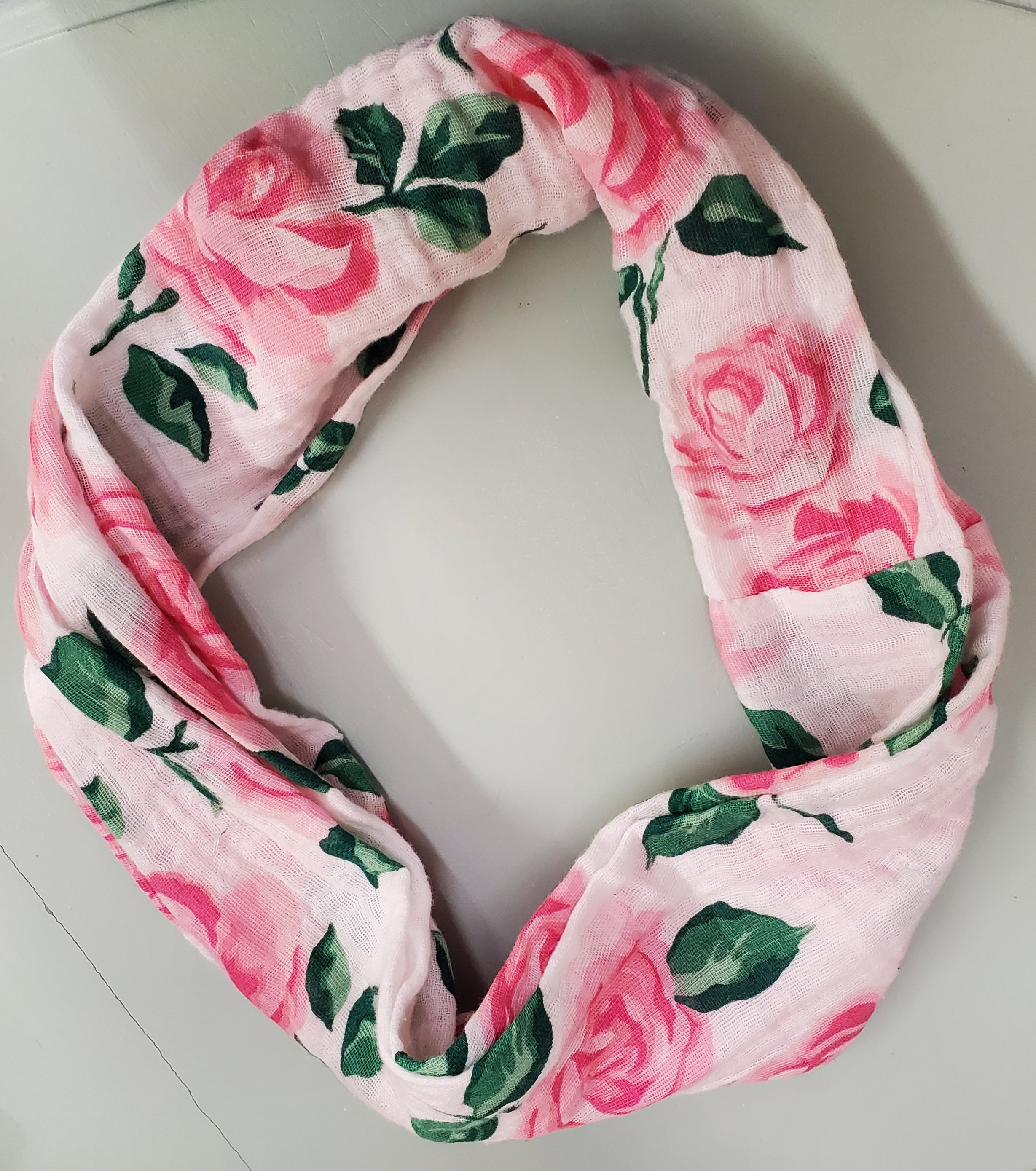 Embrace 1/2 yd Pink Roses Infinity Scarf KIT
