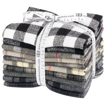 Mammoth Black Colorstory Fat Quarter Bundle