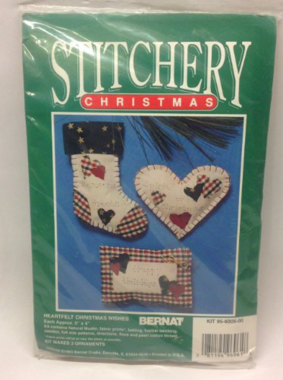 Stitchery Christmas Ornaments Kit
