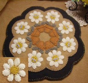 Delightful Daisies #112 Quilt Pattern Penny Lane Primitives