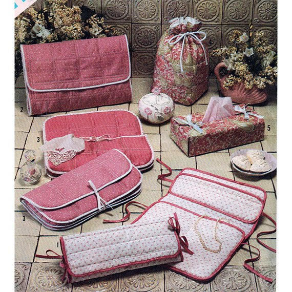 Craft Sewing Pattern Simplicity Set of Quilted Accessories