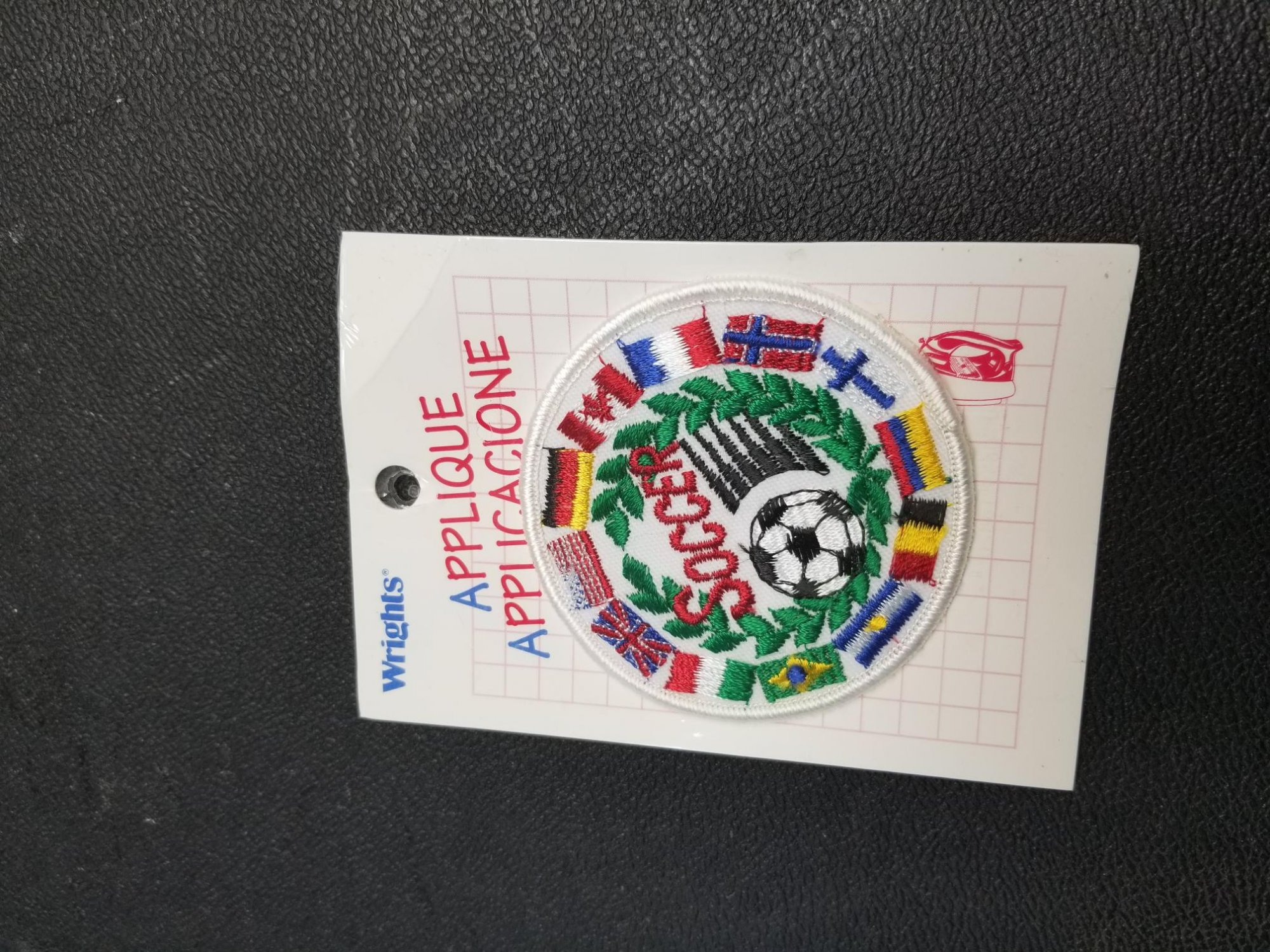 Wrights Applique - Soccer w/country flags