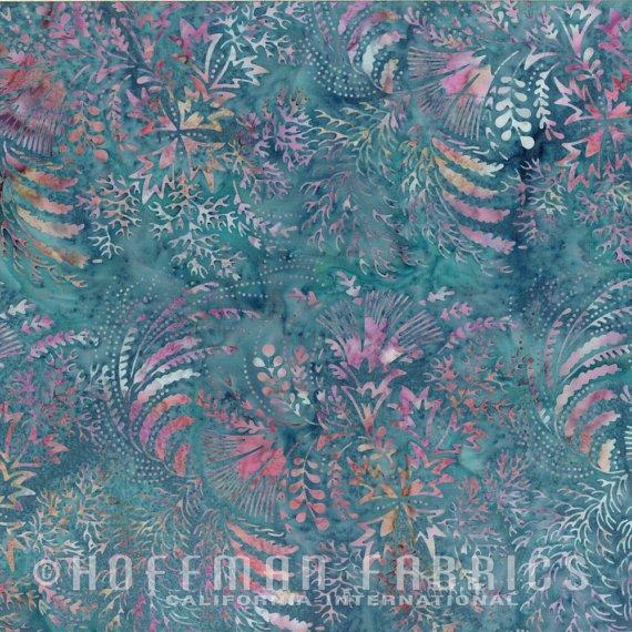 Hoffman M2760-519 Bali Chop Mixed Leaves Hibiscus