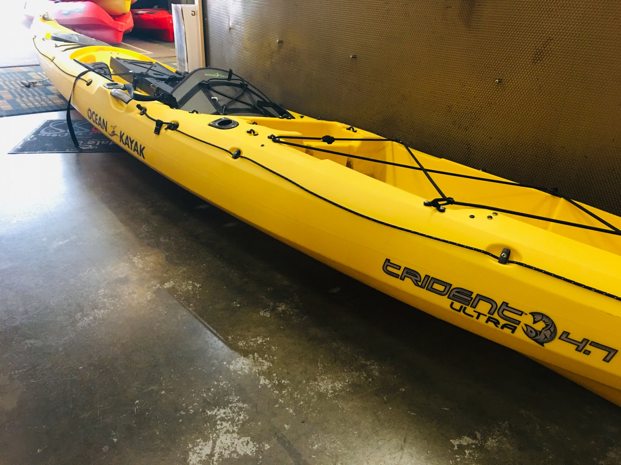USED-- Ocean Kayak Trident Ultra 4.7