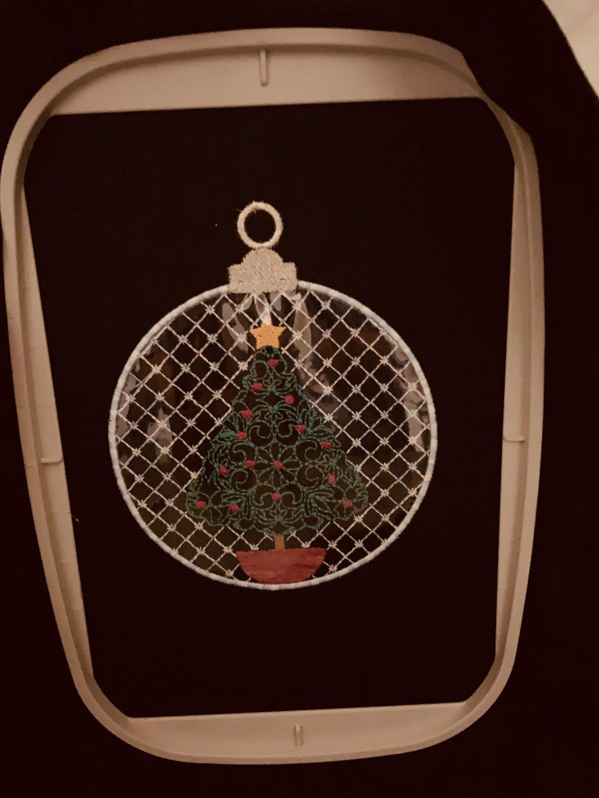 IQ Designer Christmas Tree Class Document