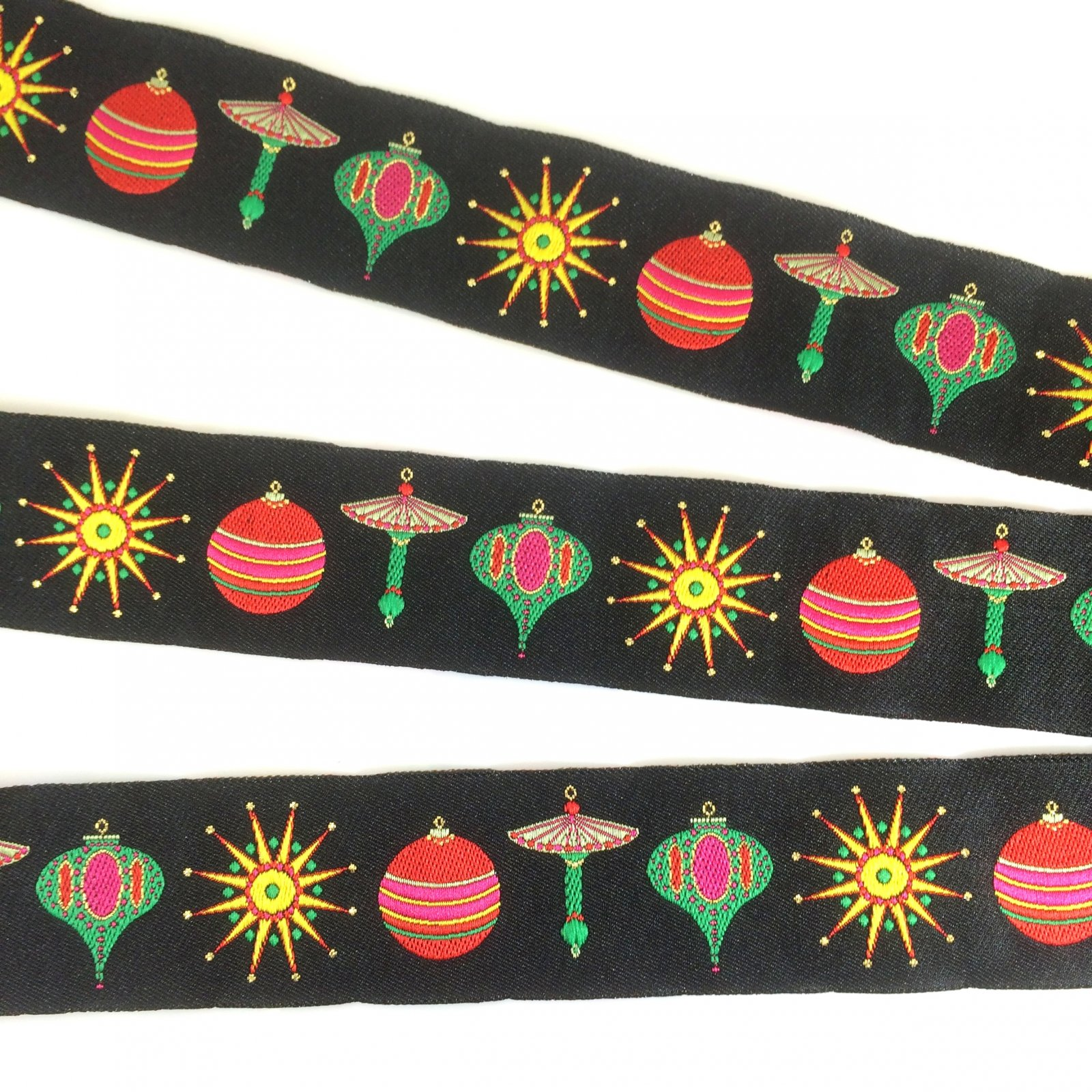 RENAISSANCE RIBBONS - CHRISTMAS ORNAMENTS ON BLACK 40MM