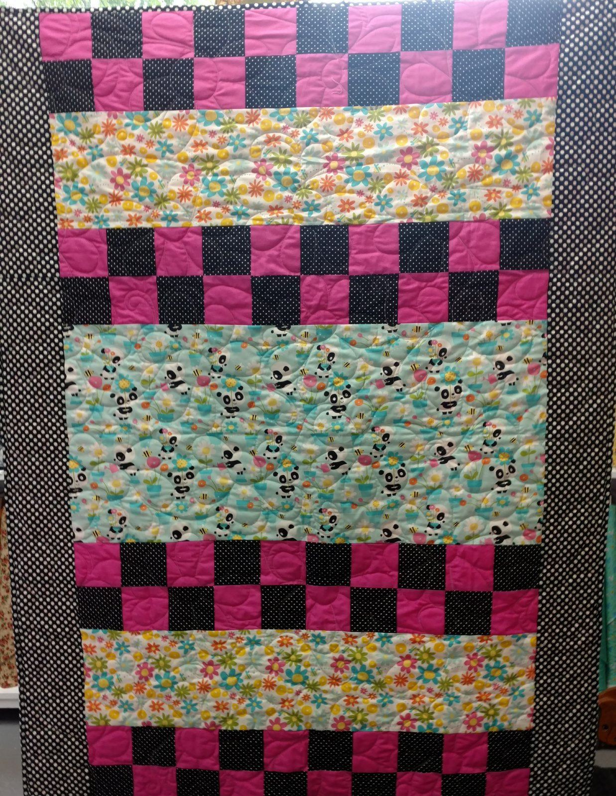 Gingersnap Quilt Kit in Panda Fabric