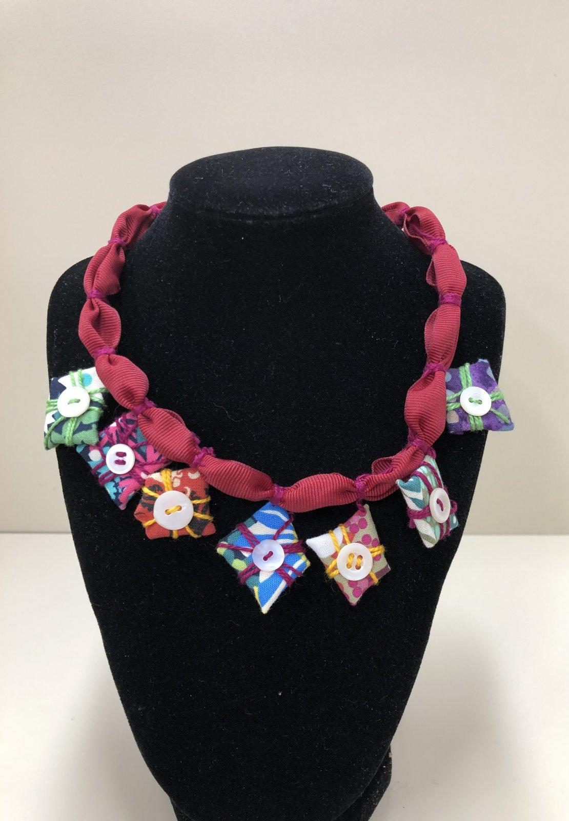 JEWEL- Presents Necklace