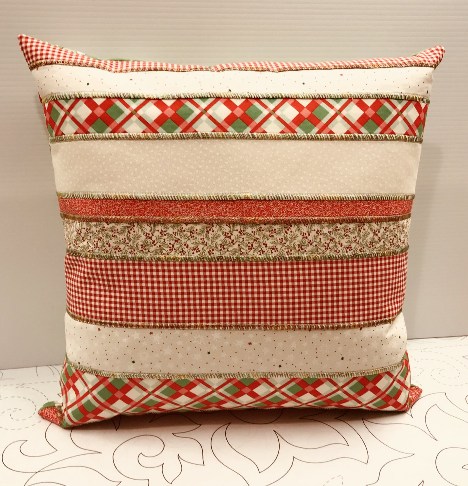 Serger Club Holiday Pillow
