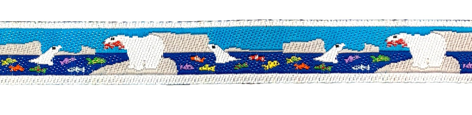 1/2 Woven Trim Polar Bear Fishing
