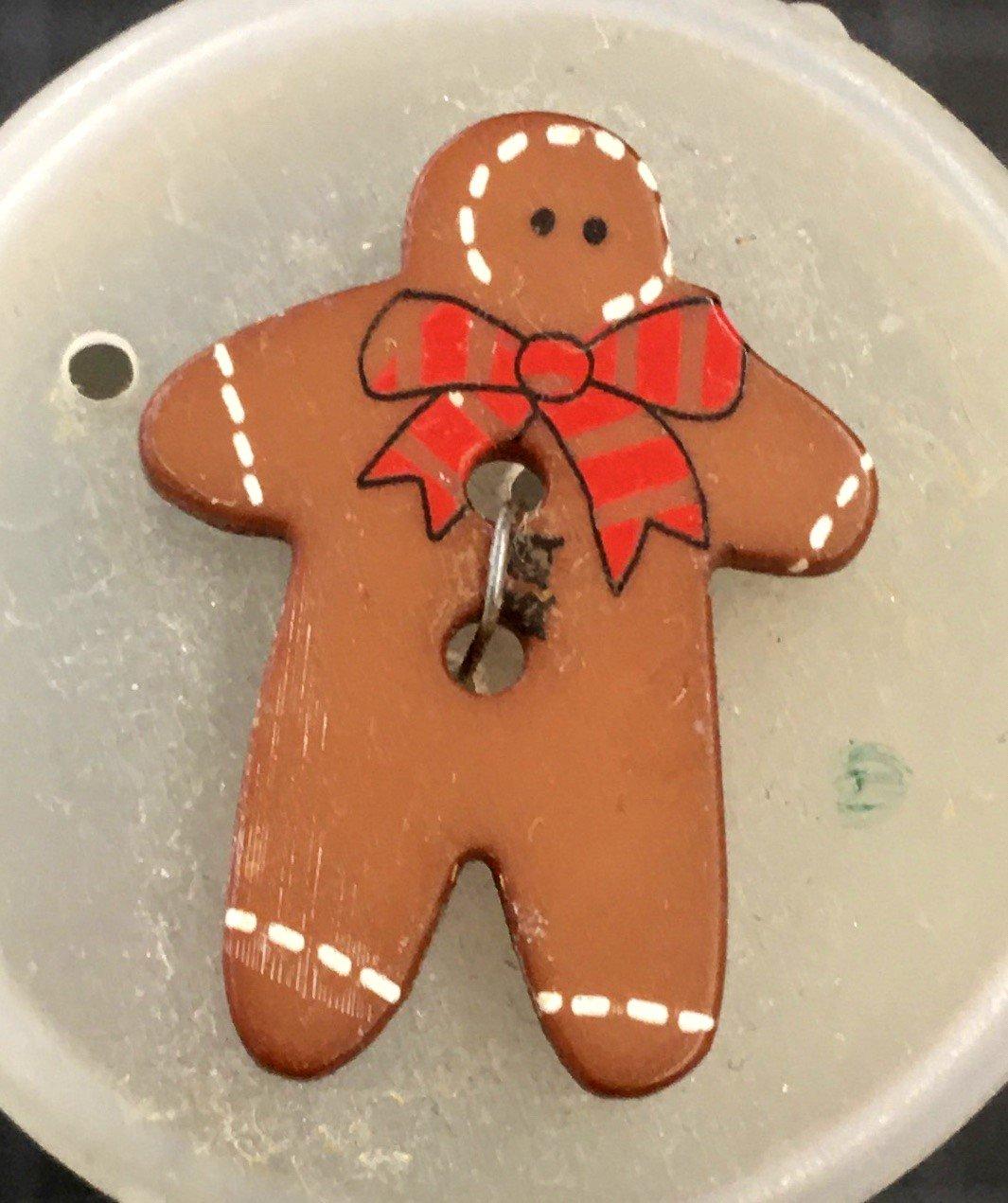 280776, Dill Buttons 25 mm Red Gingerbreadman