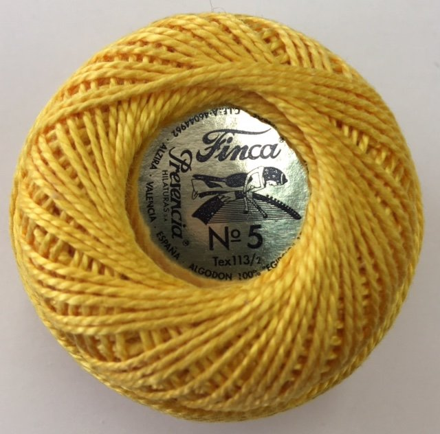 816-05-1227 Presencia Medium Gold Finca Perle Cotton Size 5 10 gram ball