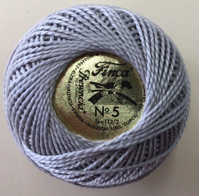 816-05-8728 Presencia Light Shell Gray Finca Perle Cotton Size 5 10 gram ball