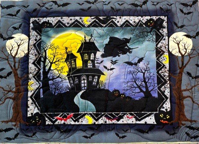 HalloMatB Halloween Place Mats Set of four Black