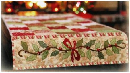 SF48503 Shabby Fabrics Pattern Holly & Berries Table Runner