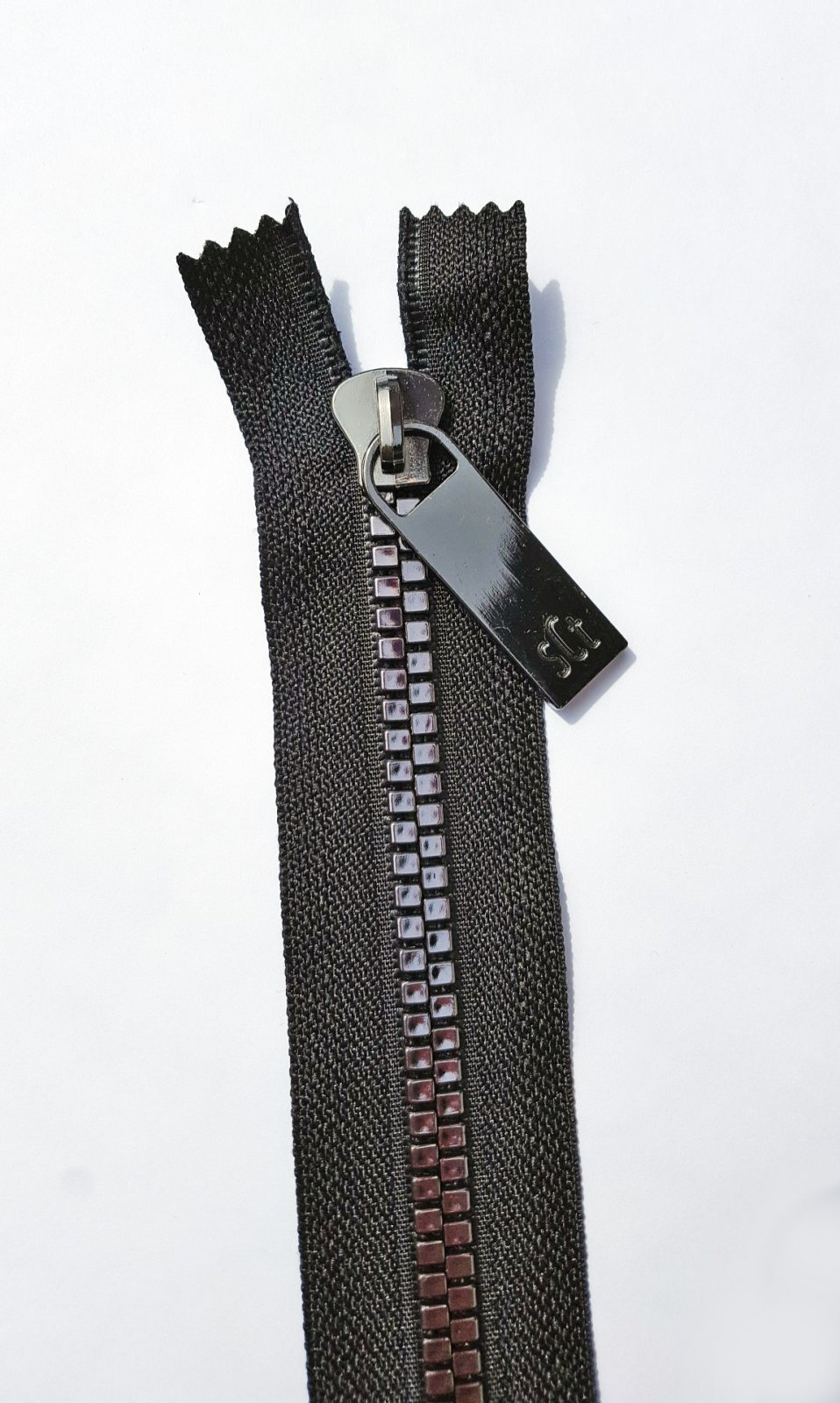 16 Pretty Zipper Black Tape, Gunmetal Finish
