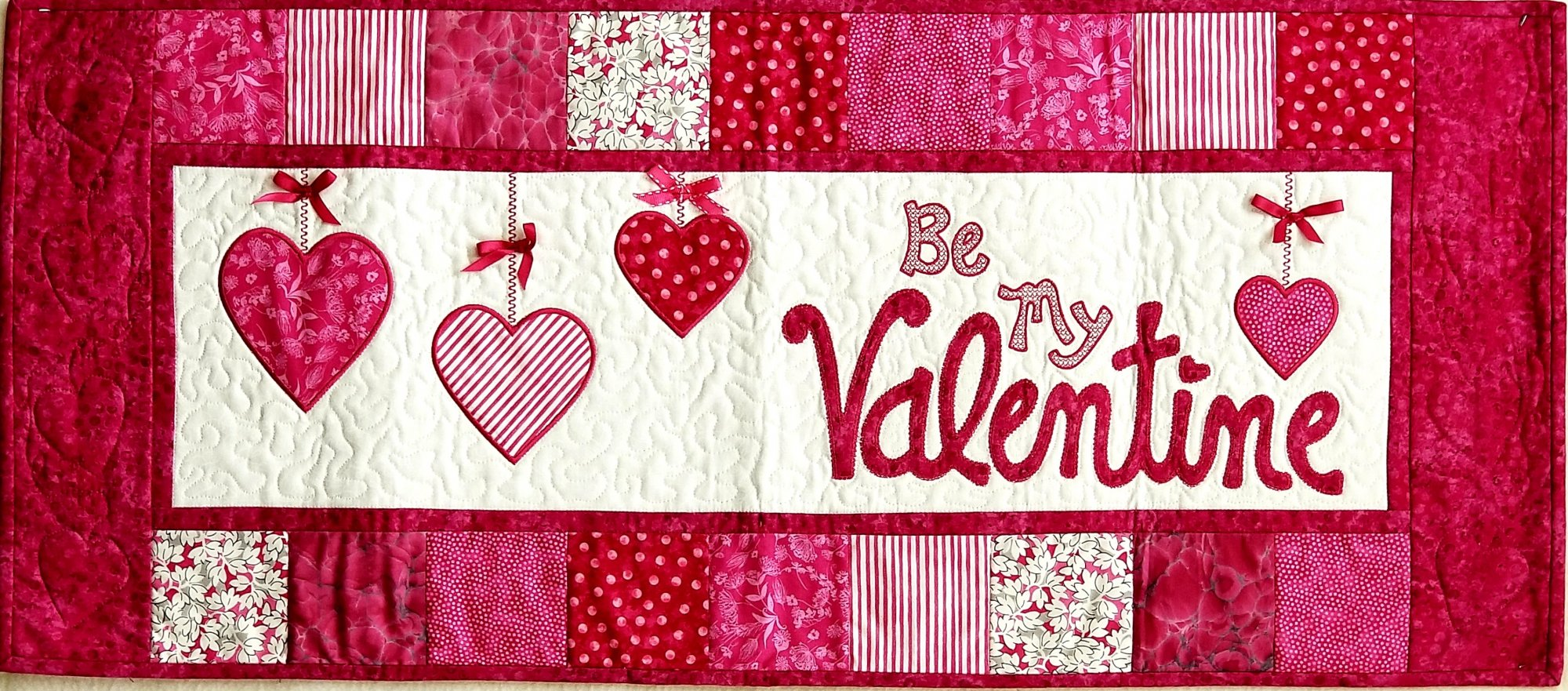 Be My Valentine-Wallhanging or Tablerunner CD `