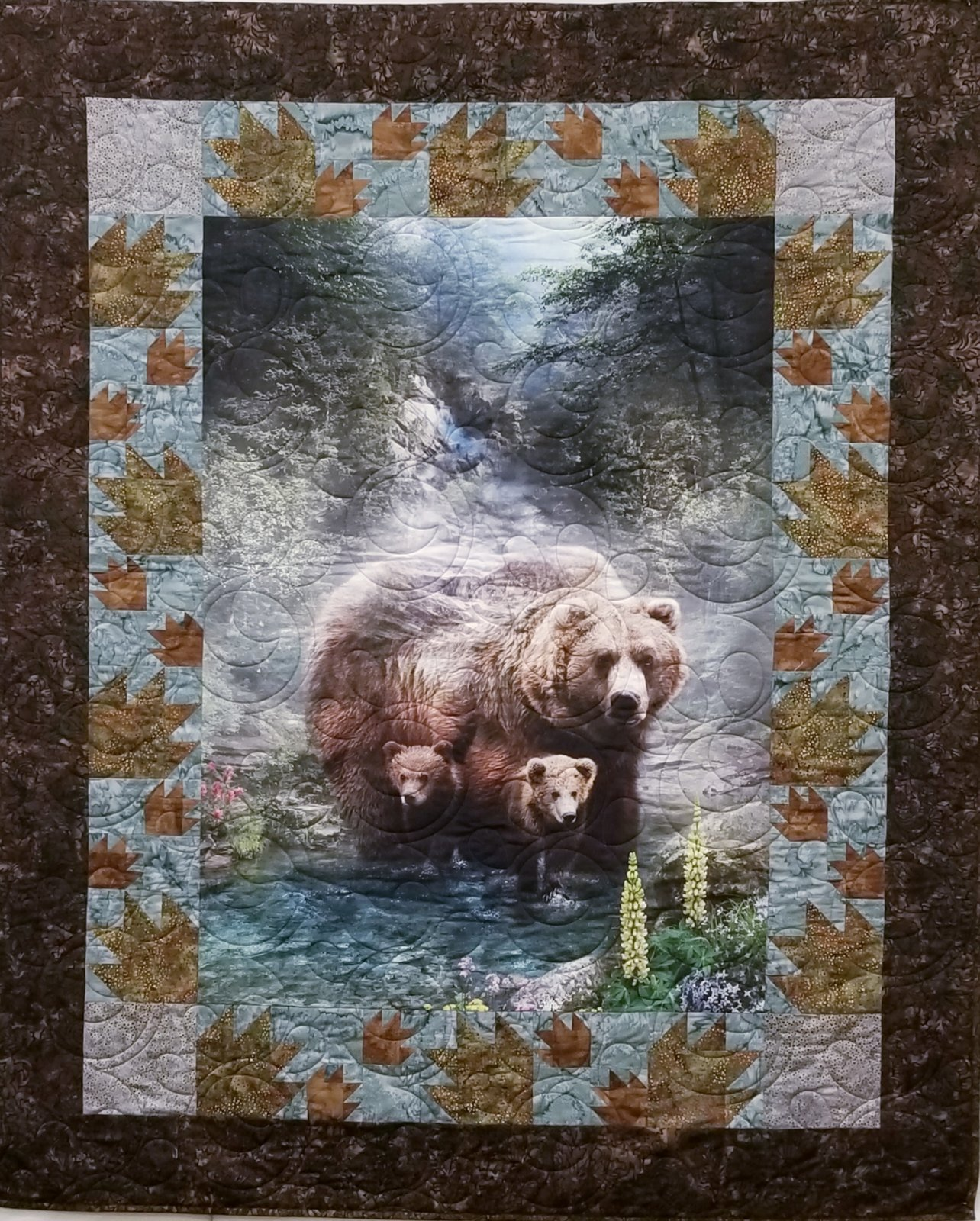 Bears and Paws Panel Quilt 5176-1, bear panel lap quilt pattern, Hoffman Call of the Wild Grizzly `