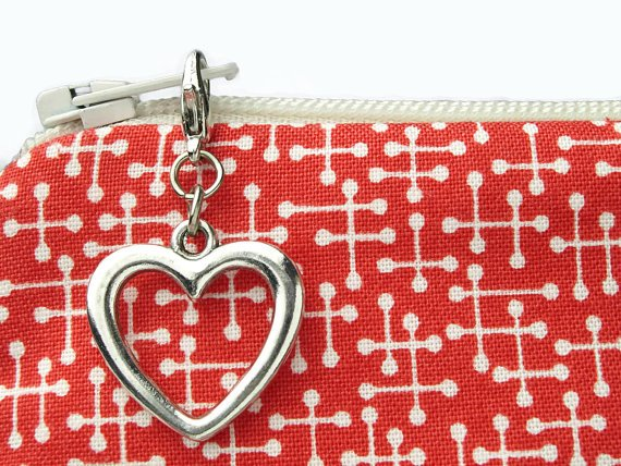 Silver Heart Pull Charm `