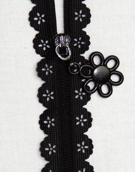 22 Zipper Black Lace `