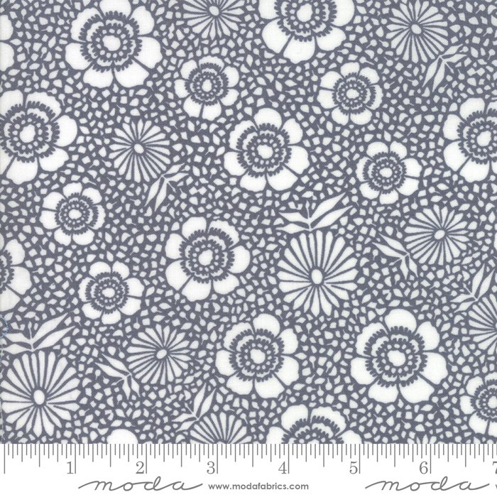 11142 16 108'' Moda Fabrics Harmony Dark Rain Flower Wide Bacing