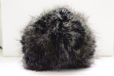 POMPOM FAUX FUR BLACK MINK