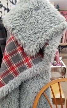 Red Plaid Mammoth Llama Quilt Kit 1