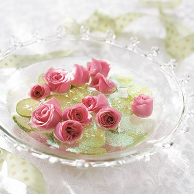 Roses and Lime Centerpiece