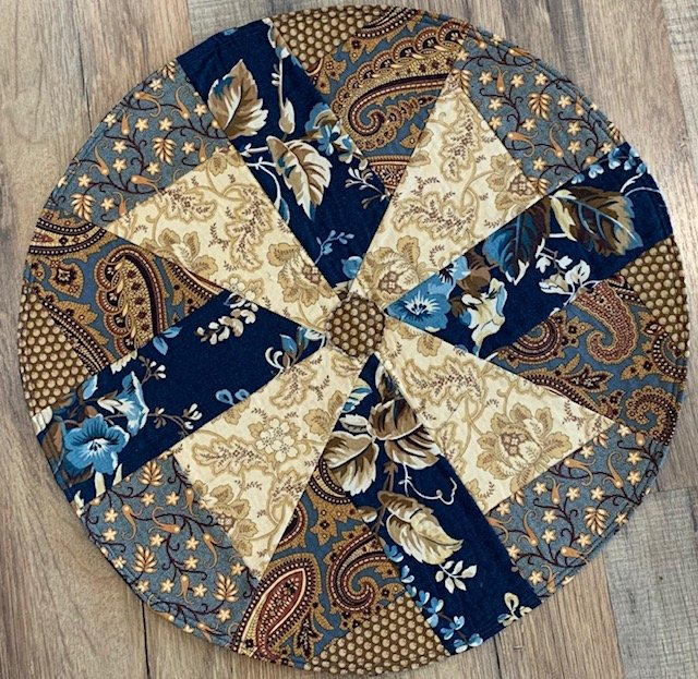 Scrappy Round Table Mat  - Set of 2