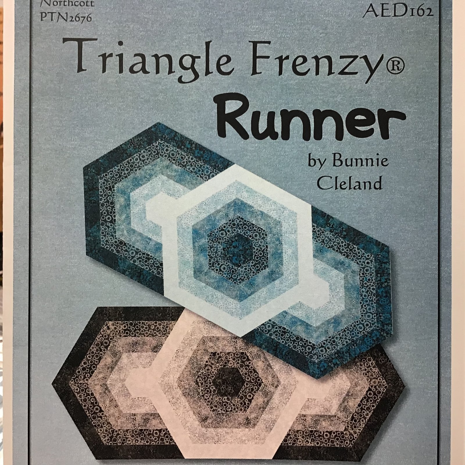 PT Q Triangle Frenzy Runner