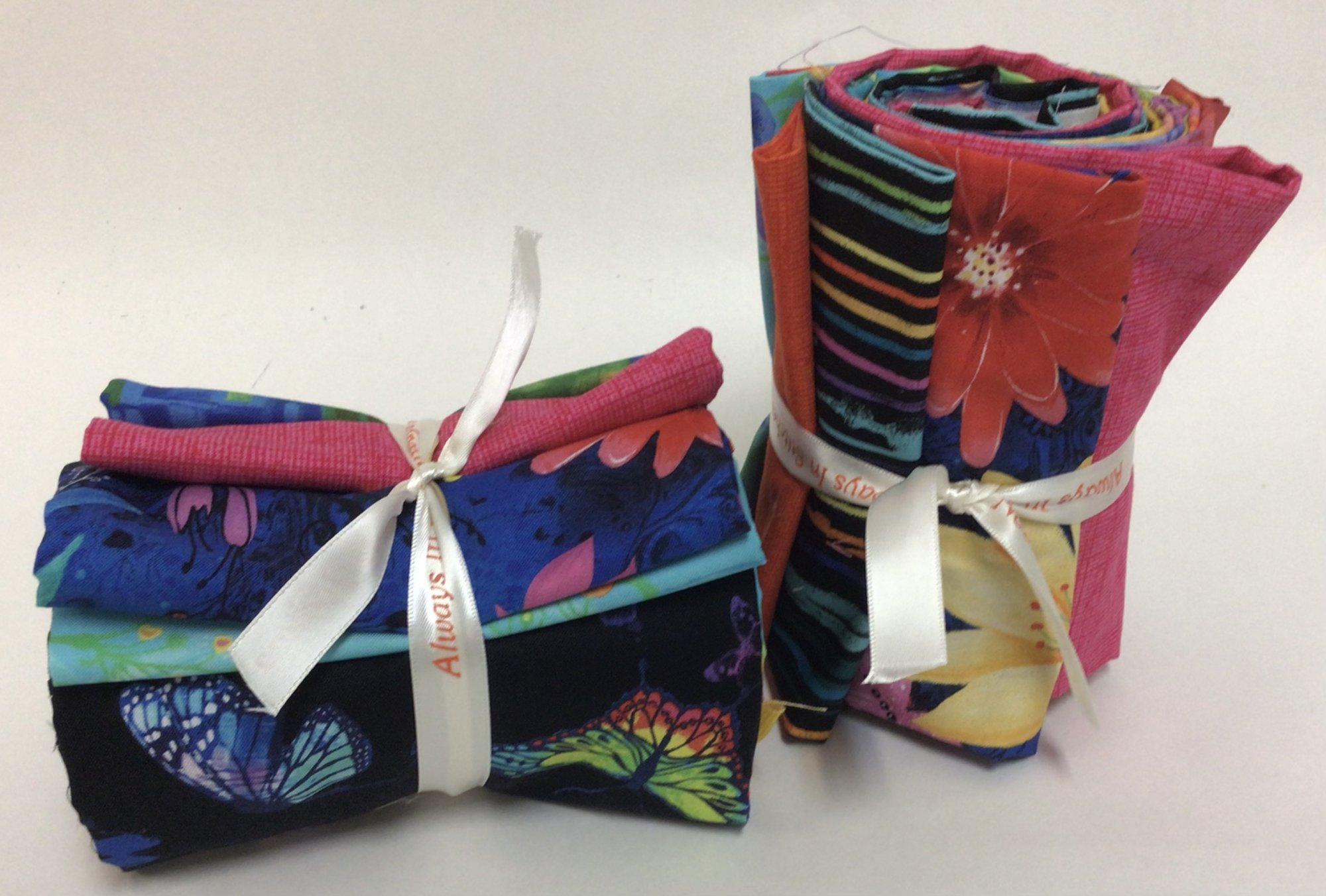Timeless Treasures Whirlwind Fat Quarter Roll of 10