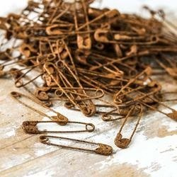 Rusty Safety Pins Pack of 5