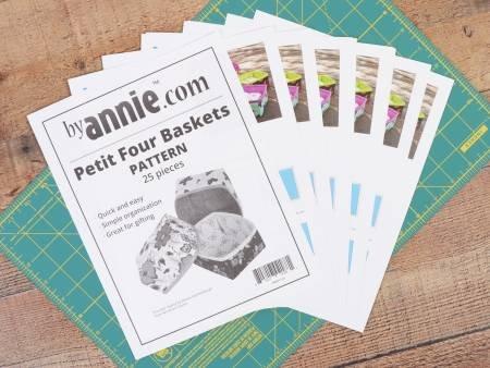 Petit Four Baskets 25ct