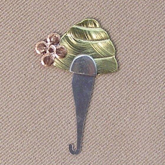 Bee Skep Magnetic Needle Threader