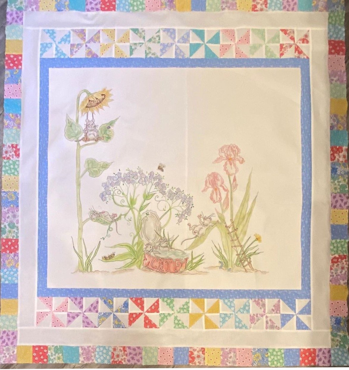 Mouse's Holiday Quilt Kit, top, back, binding