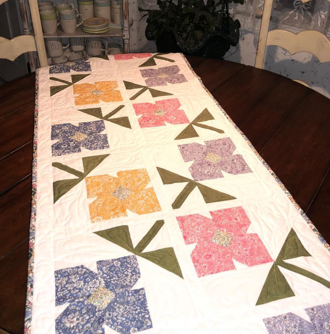 Garland Table Runner Kit top, back, bind