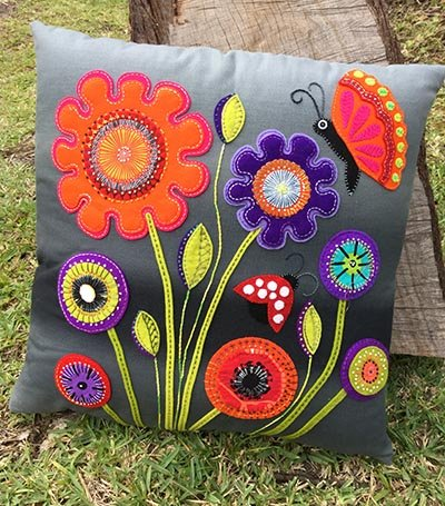 Wendy Williams : Baby Blooms - Cushion Pattern