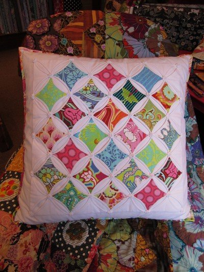 Wendy Williams : Cathedral Window - Cushion Pattern