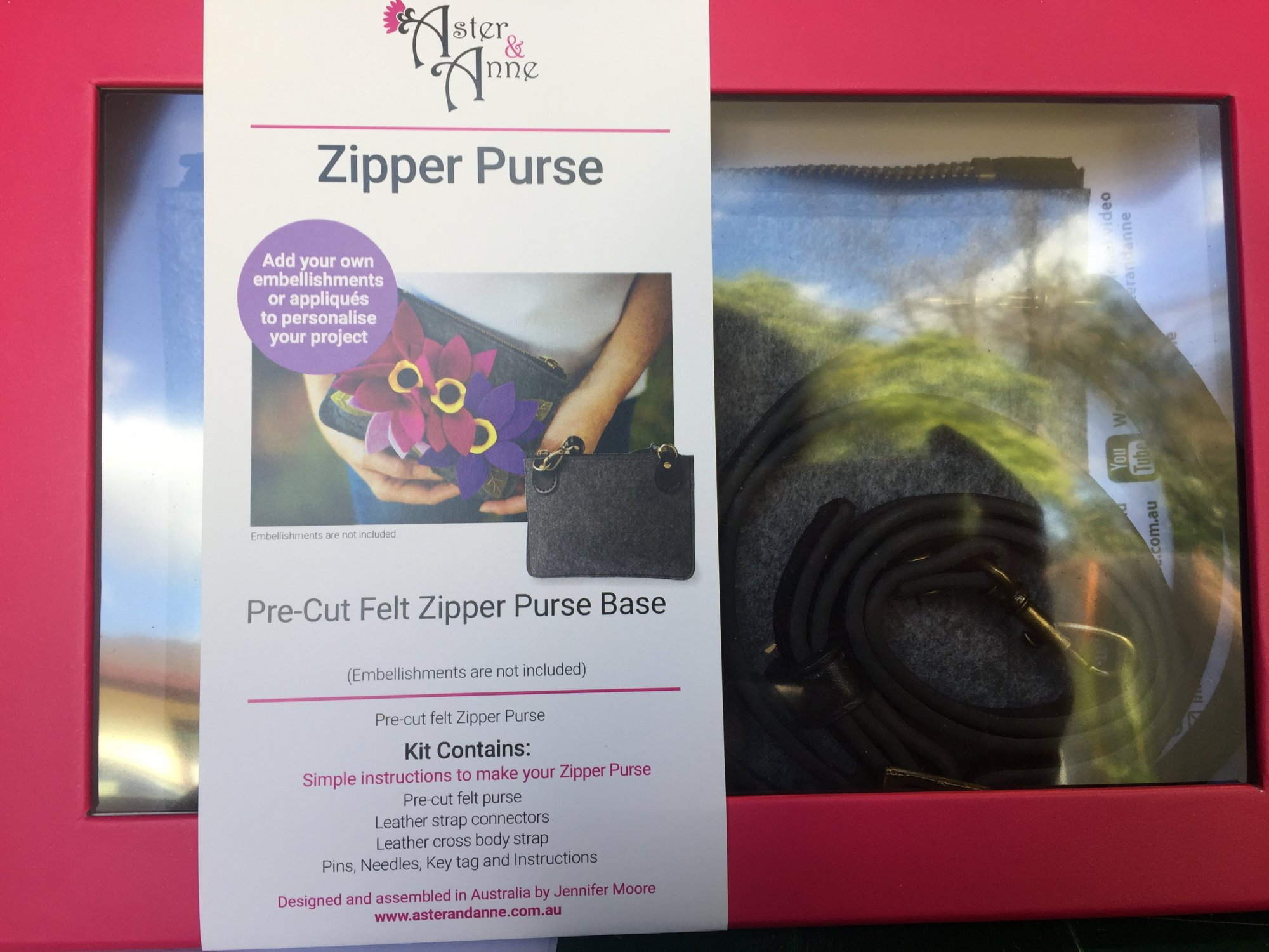Aster & Anne Felt Kit - Zipper Purse with Cross Body Strap