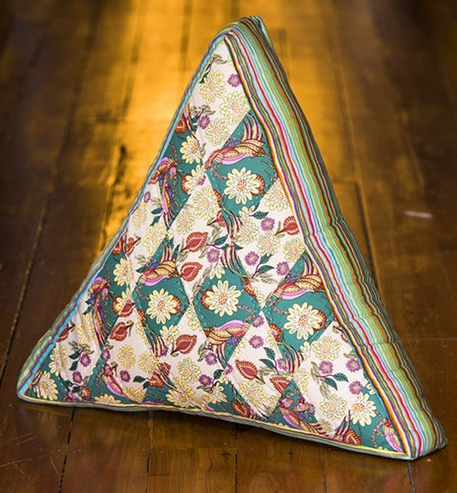 Triangle Cushion Pattern from Material Obsession