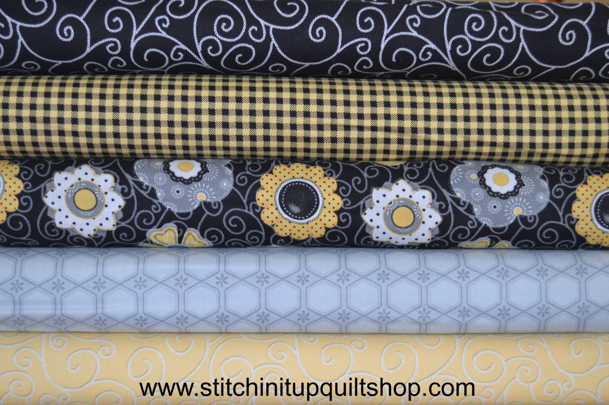 Sew Bee It Fat Quarter Bundle