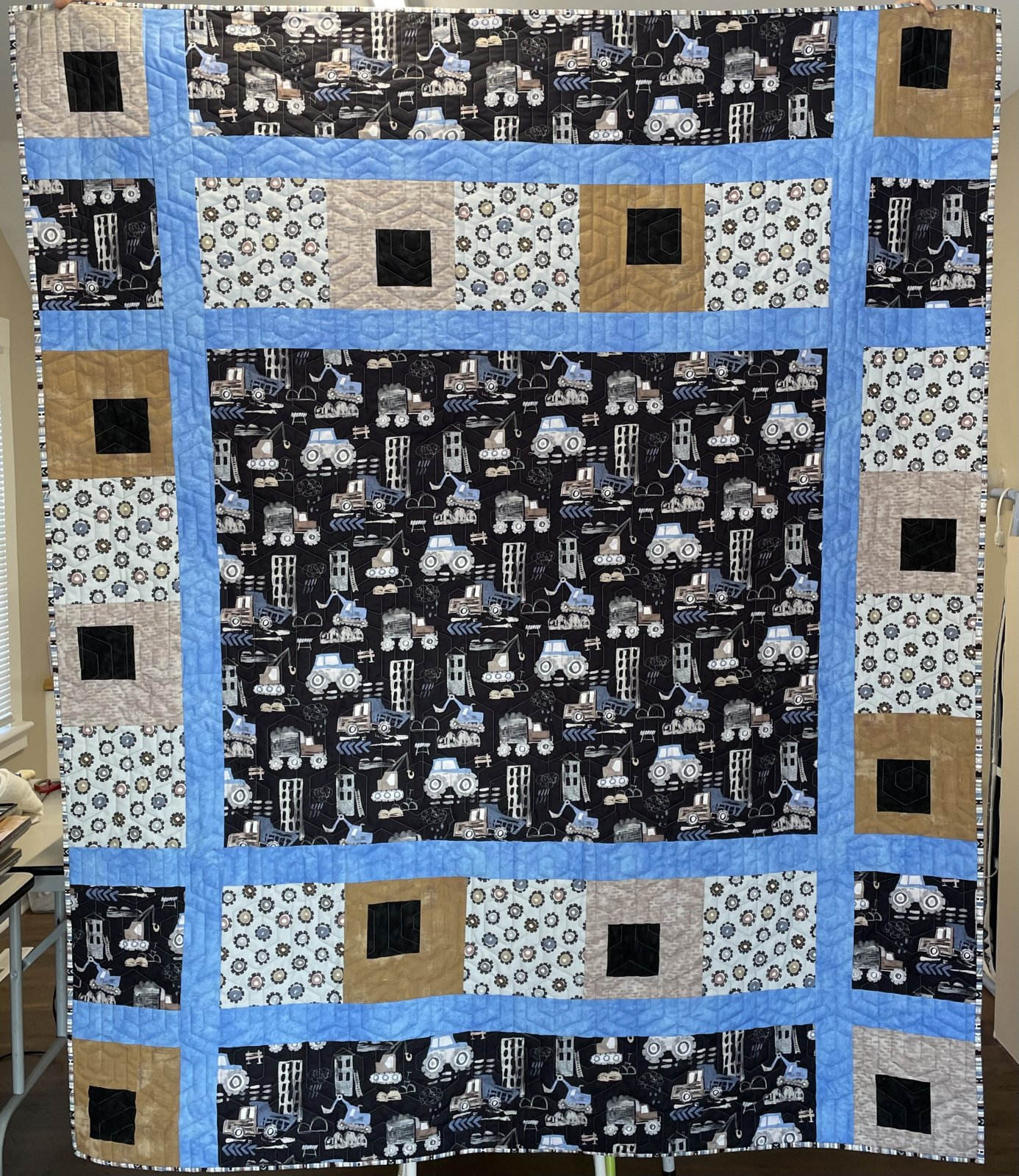 Diggers & Dumpers quilt kit - 61 x 74 inches