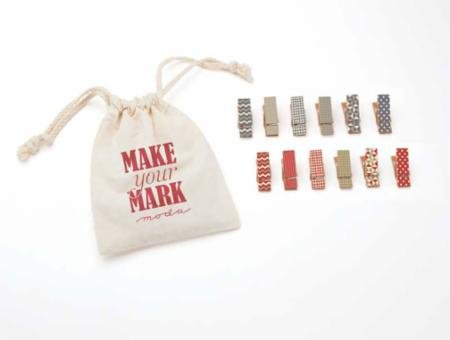 Make Your Mark mini clothespins Red Blue