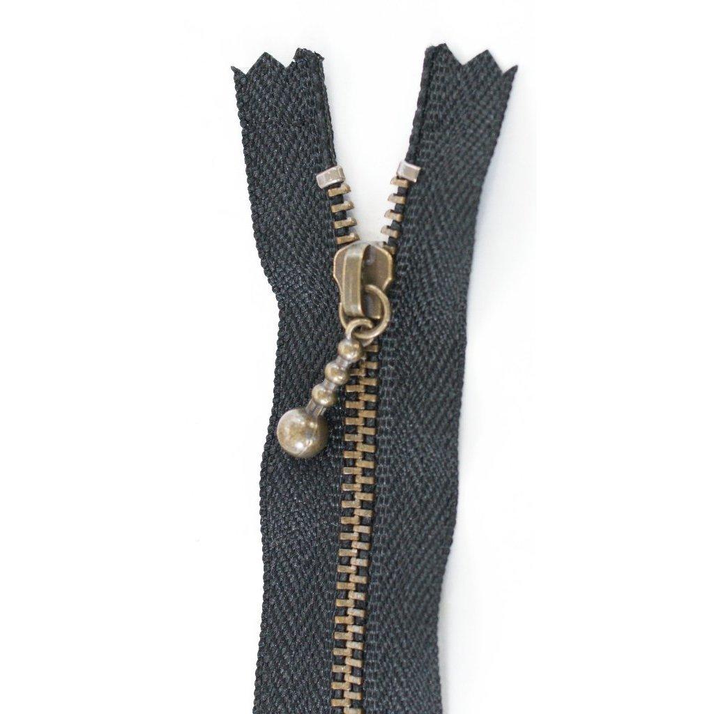 30 cm [11.75] Ball Pull Zipper (black)