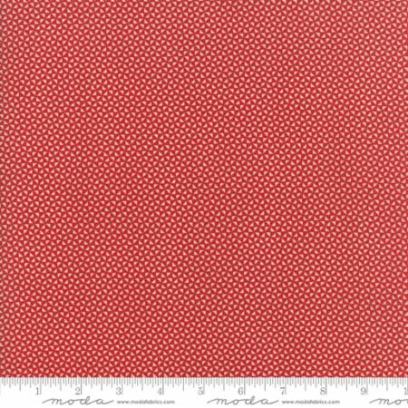 14854 13 Farmhouse Reds Floral Triangles Ivory Red Minick Simpson