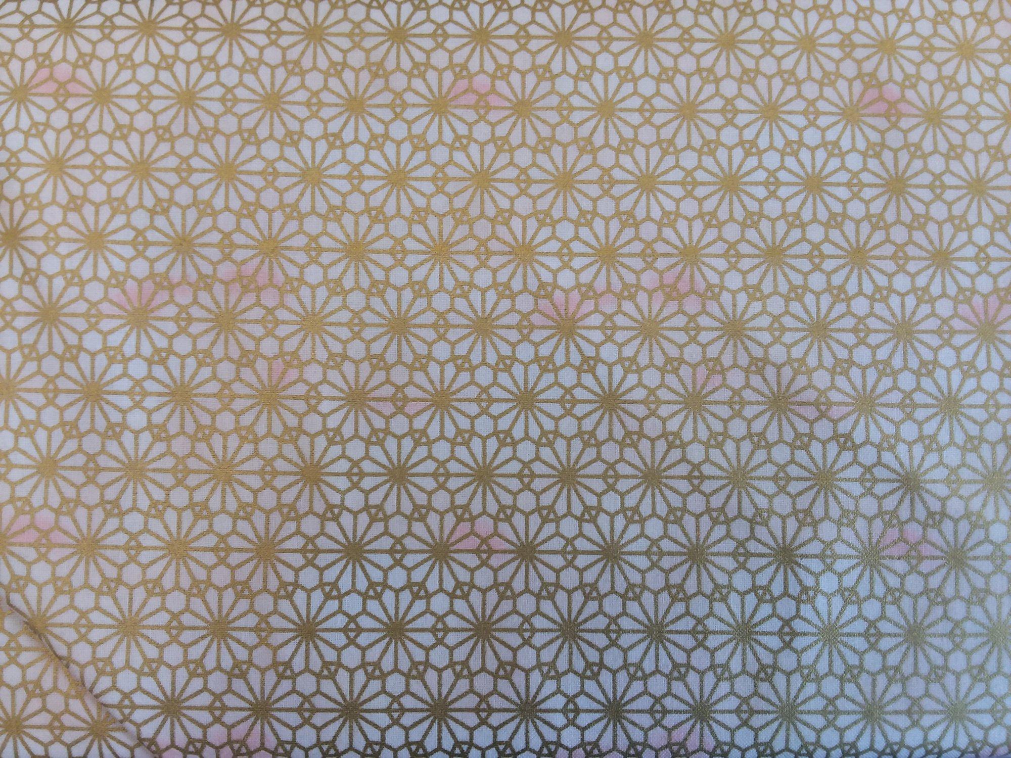 Suzune Met HR3340 Gold on White Background