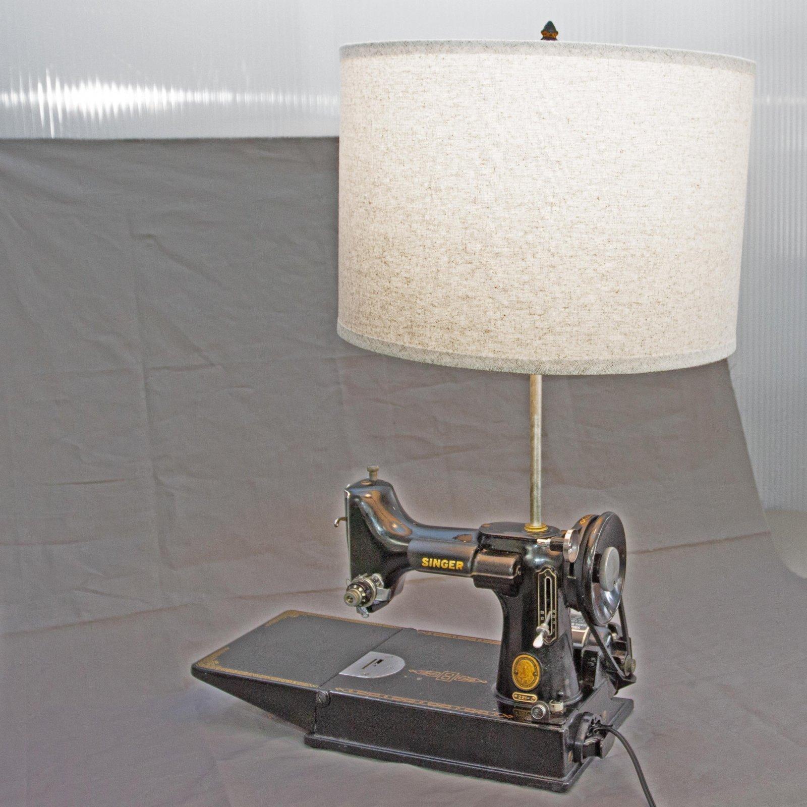 Singer Featherweight 221 Decor Lamp